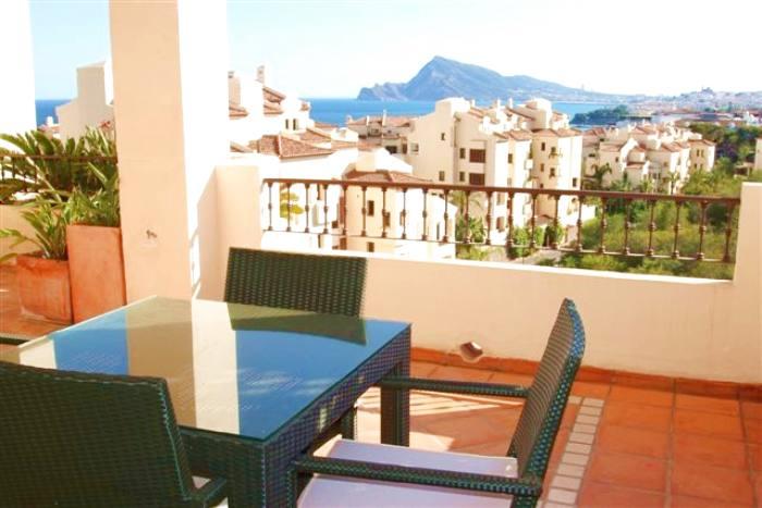 Apartamento económico en alquiler de dos dormitorios en villa gadea, altea