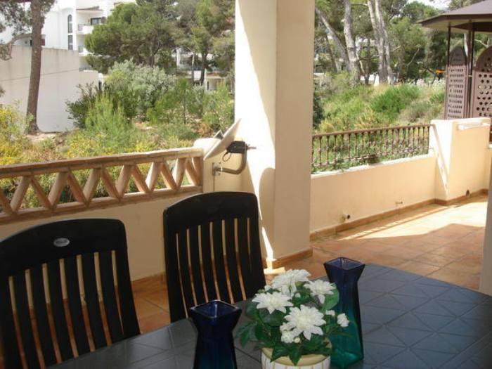 Apartamento en villa gadea de tres dormitorios en una planta