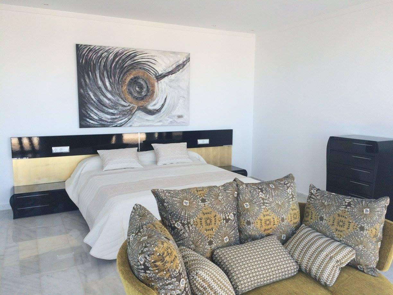 Villa de lujo en estilo moderno en javea for Casa moderna javea