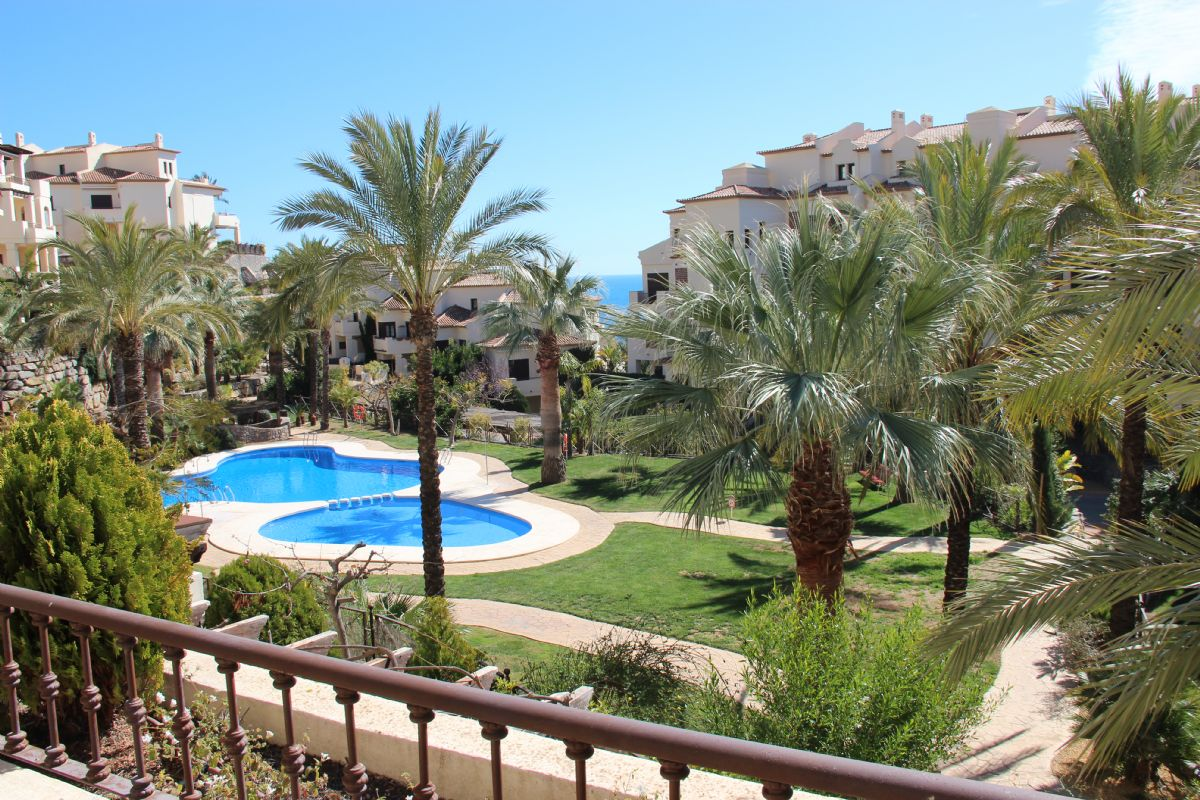 Beautiful and spacious apartment with two bedrooms and two bathrooms in altea