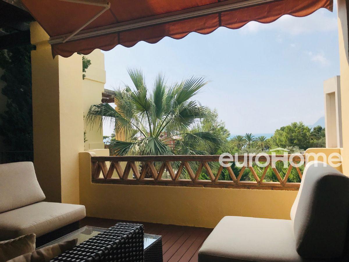 En exclusiva, apartamento de lujo en urbanización junto al mar villa gadea de altea