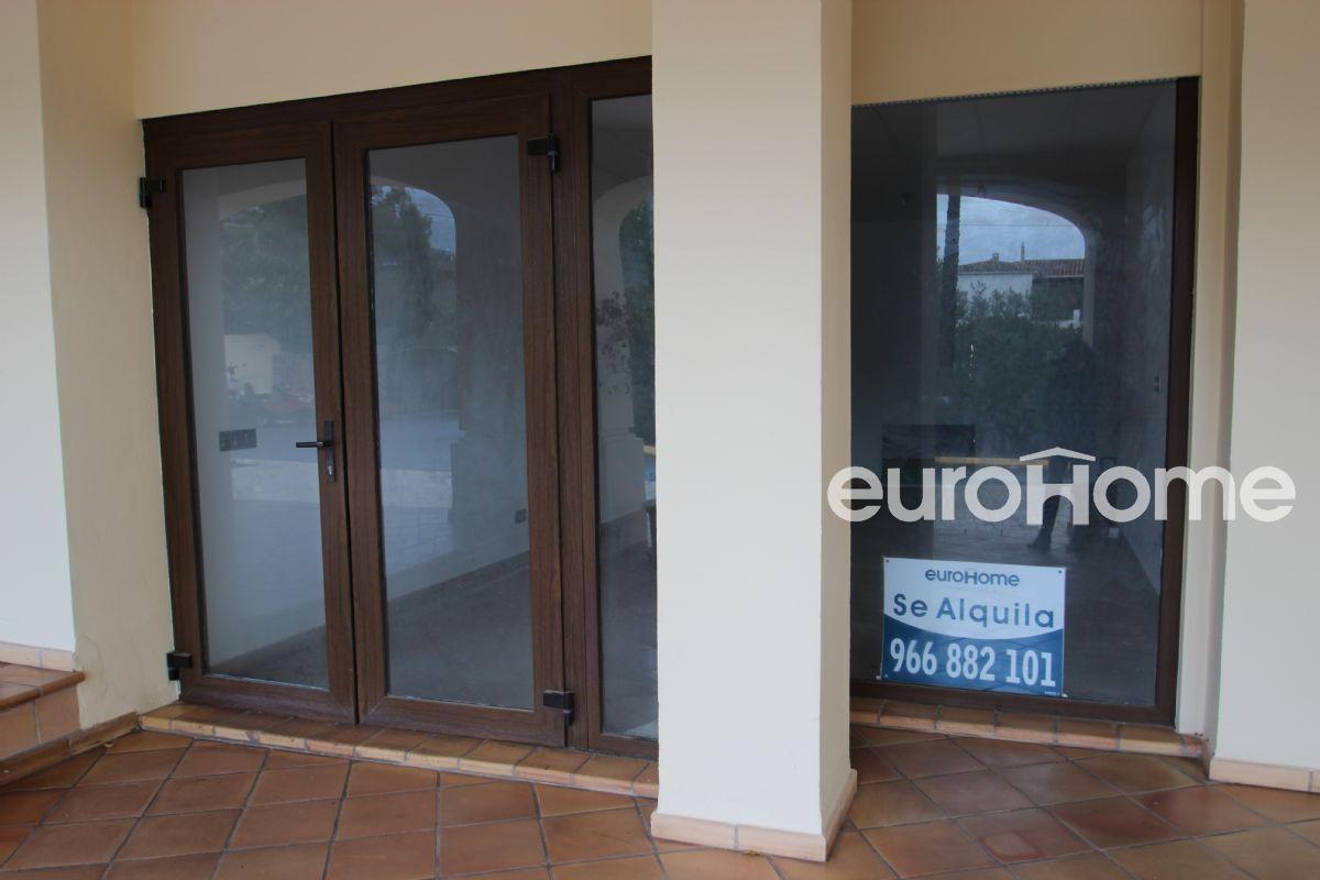 Amplio local en alquiler en residencial de lujo villa gadea de altea